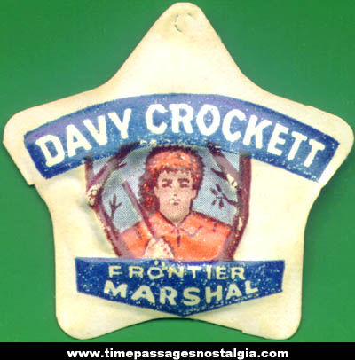 1955 Cracker Jack Davy Crockett Vacuform Prize Badge Charm