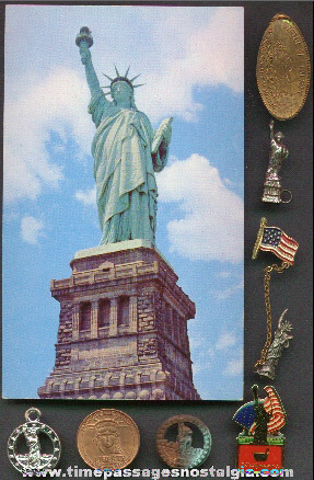 (9) Different Statue Of Liberty Souvenir Items