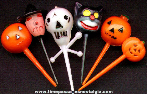 (6) Old Halloween Cake Decorations