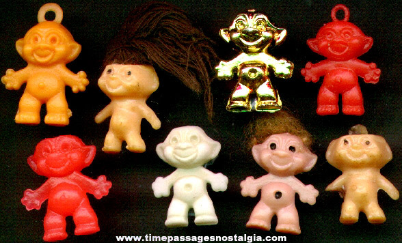 (8) Miniature Gum Ball Machine Trolls Or Wishniks Figures & Charms
