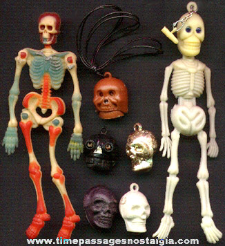 (7) Gum Ball Machine Prize Skeletons And Skulls