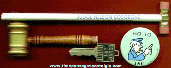 (4) Small Judge & Jail Items