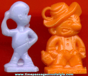(2) Different Scarce Old Comic Strip Character Bubble Gum Machine Charms