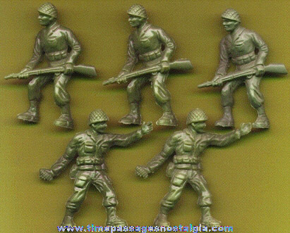 (5) 1957 Kellogg's Cereal Prize U.S. Army Soldier Play Set Toy Figures