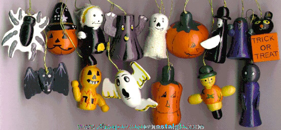 (15) Painted Wooden Halloween Ornaments