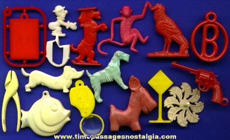 (15) Old Plastic Cracker Jack Premium / Prize Toys