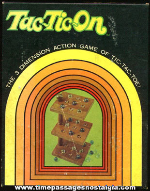 ©1970 TAC-TIC-ON Boxed 3-Dimensional Marble Game