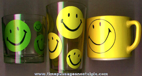 (3) Old Smile Face Glasses And Cup
