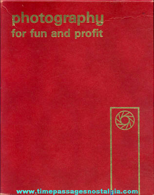 "�1965 Boxed (18) Booklet Photography Course Entitled ""PHOTOGRAPHY FOR FUN AND PROFIT"""