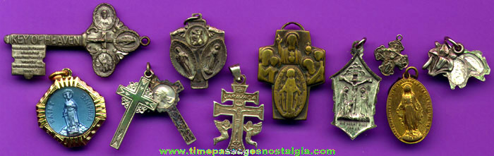 (10) Catholic Or Christian Religious Medals / Charms