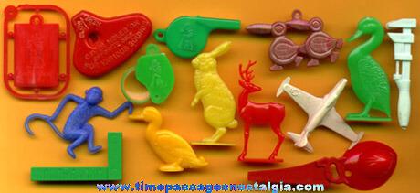 (15) Old Plastic Cracker Jack Prizes