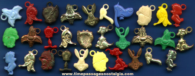 (30) 1950's Looney Tunes Character Gum Ball Machine Charms