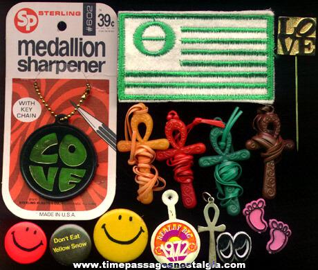 (15) Small 1970's Novelty Items