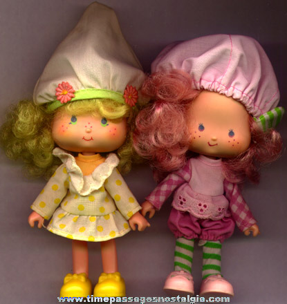 (2) ©1979 Strawberry Shortcake Character Dolls