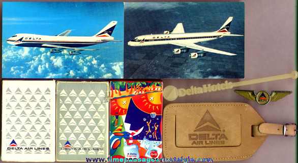 (8) Small Delta Airlines Items