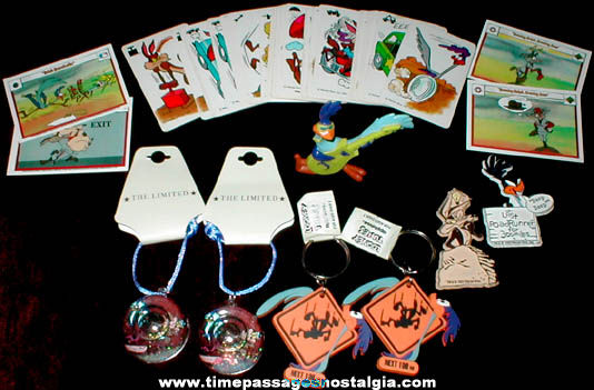 (12) Warner Brothers Looney Tunes Road Runner Items