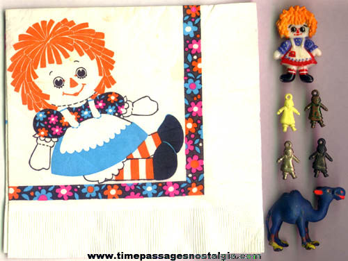 (8) Raggedy Ann & Andy Character Items