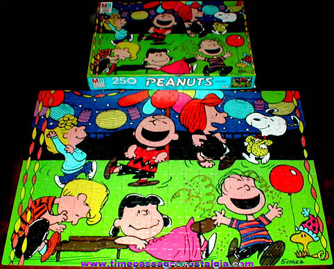Boxed 250 Piece Peanuts Characters Jigsaw Puzzle