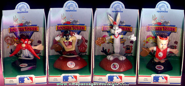 (4) �1990 First Series Looney Tunes Major League Baseball Character Figurines