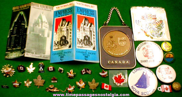 (30) Small Old Canadian Souvenir Items