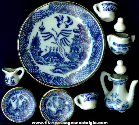 (10) Doll House Miniature Blue Willow Pattern Items