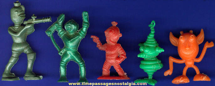 (5) Small Old Cereal Premium / Prize Alien / Creature Figures