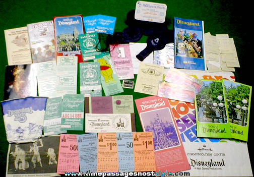 (47) Small 1980 - 1990 Disneyland Souvenir Items
