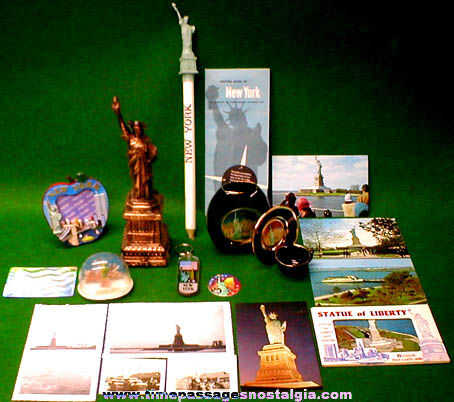 (20) New York Statue Of Liberty Items