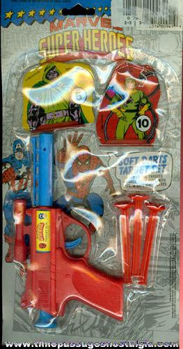 Unopened ©1992 Marvel Super Heroes Soft Darts Target Set