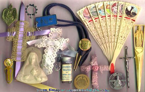 (16) Small Old Catholic / Christian Religious Items