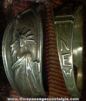 Old Statue Of Liberty / New York Advertising Souvenir Ring