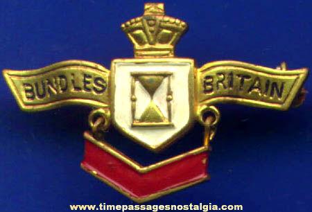World War II Bundles For Britan Pin With Hanging Stripe