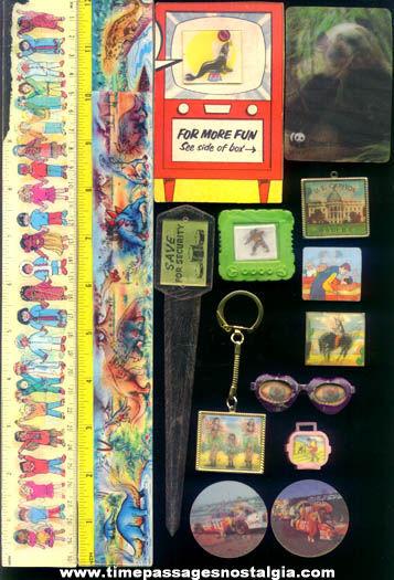 (14) Different Old Flicker, Lenticular, & 3-D Items