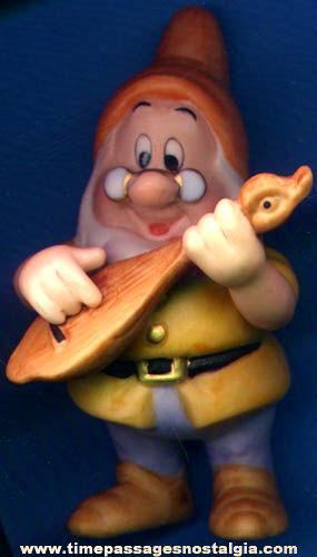 Walt Disney Snow White & The Seven Dwarfs Porcelain Doc Figurine