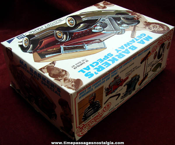Old Unbuilt Ma Barker Getaway Special 1932 Chrysler MPC Car Model Kit
