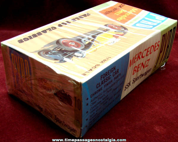 ©1966 Mercedes Benz SSK Sportwagen Pyro Car Model Kit