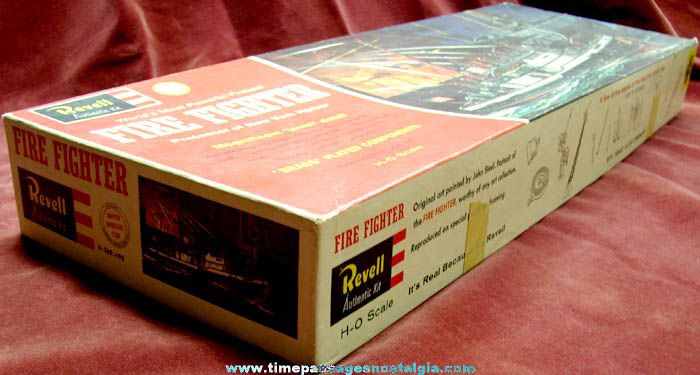 Large ©1962 New York Harbor Fire Fighter Boat Revell Model Kit (BOX ONLY)