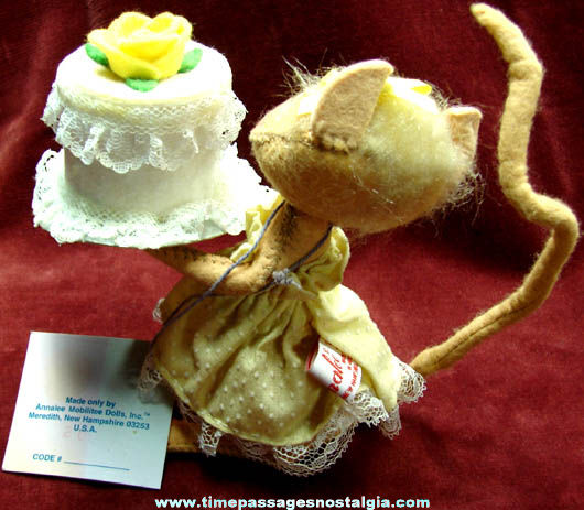 1994 Mouse With Cake Annalee Doll Figure