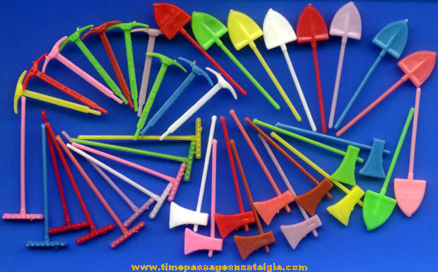 (40) 1960s Miniature Toy Gardening ot Construction Tools