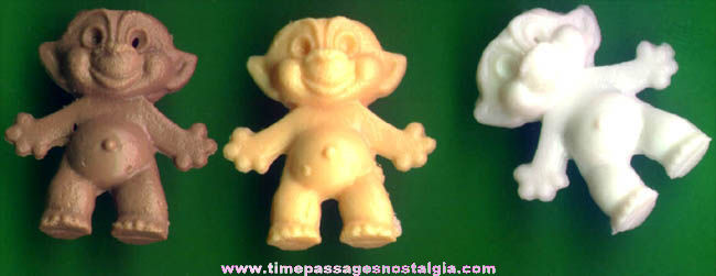 (20) 1960s Gum Ball Machine Prize Wishnik Troll Toy Charms
