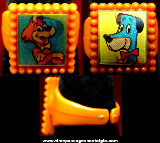 Old Huckleberry Hound & Mr. Jinx Character Flicker Toy Ring