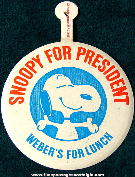 ©1968 Charles Schulz Peanuts Snoopy For President Tin Tab Button