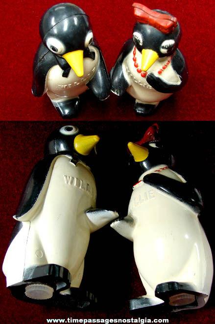 Old Willie & Millie KOOL Cigarettes Advertising Premium Penguin Salt & Pepper Shakers