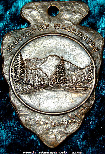 Old Copper Mount Rainier Washington Advertising Souvenir Arrowhead Fob Charm