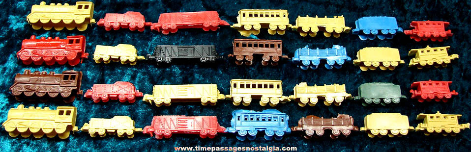 (4) Complete Old Unused Colored Plastic Toy Trains (28 pieces)