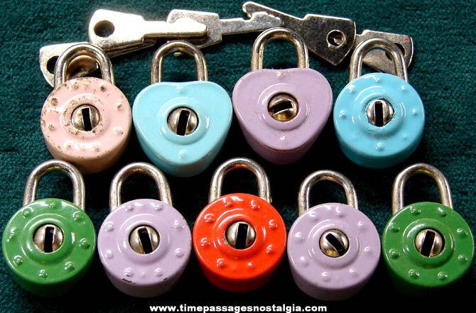 (9) Miniature Metal Gum Ball Machine Prize Pad Locks With Keys