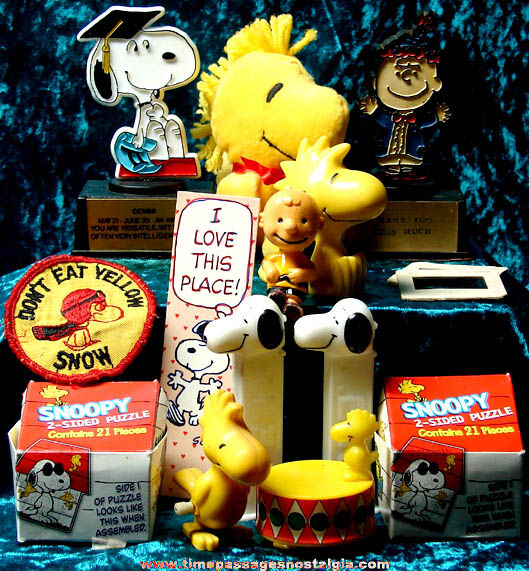 (15) Old Charles Schulz Peanuts Comic Strip Character Items