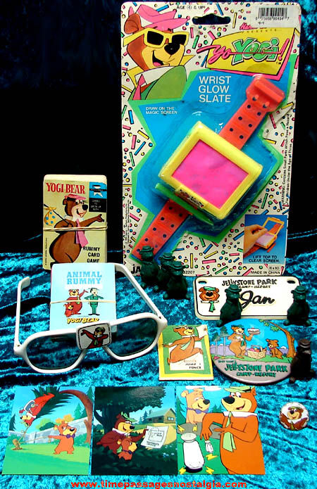 (17) Old Hanna Barbera Yogi Bear Cartoon Character Items