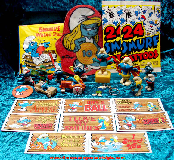 (25) Old Smurf Character Related Items