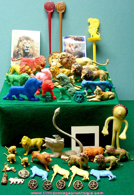 (48) Small Old Lion related Items
